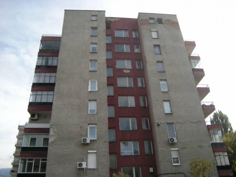 Обследване за енергийна ефективност на жилищна сграда