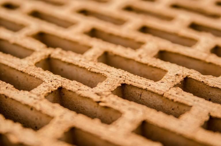 Керамична тухла с повишена енергийна ефективност