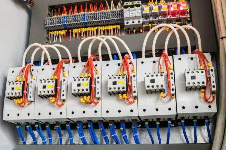 Електрическо табло в индустрията